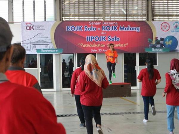 Tubuh Sehat dengan Zumba with OJK (Otoritas Jasa Keuangan ) Malang